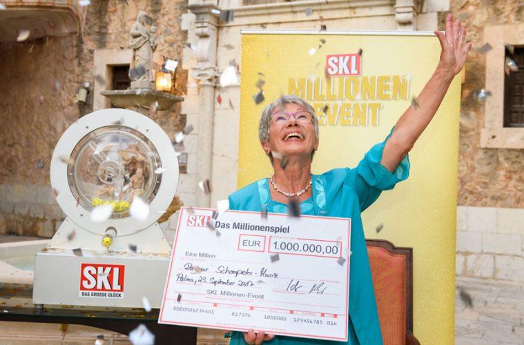 Dagmar-Schompeter-Munz gewinnt 1 Million Euro beim SKL-Millionen-Event