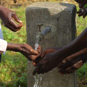 sauberes Wasser im Kongo