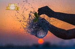 Wasser-Ballon zerplatzt