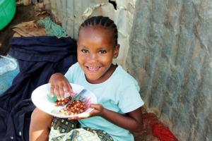 Warme Mahlzeit für arme Kinder