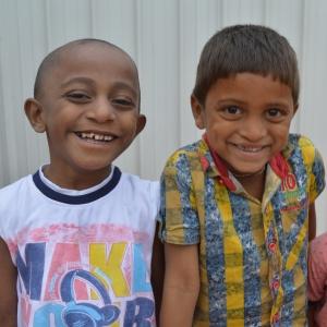 Zwei Kinder Indien Gaumen Gaumenspalte