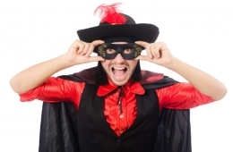 Lottogewinn mit Faschingsmaske abgeholt